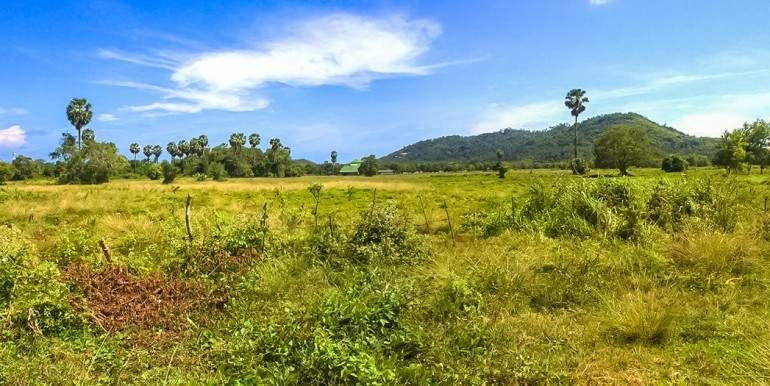 l128-land-na-mueang-03