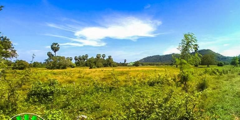 l128-land-na-mueang